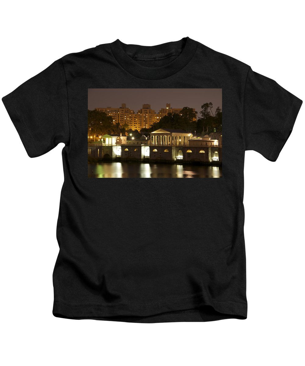Waterworks Restaurant Nighttime Scenic Night Apartments Philadelphia Philly Pa Kids T-Shirt featuring the photograph Waterworks At Dusk by Alice Gipson