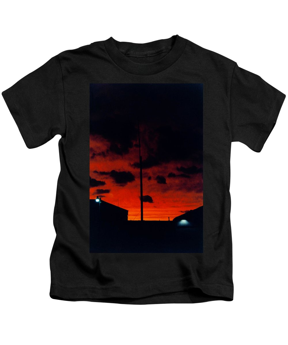 Sunset Kids T-Shirt featuring the photograph Wildwood Sunset by Denise Keegan Frawley