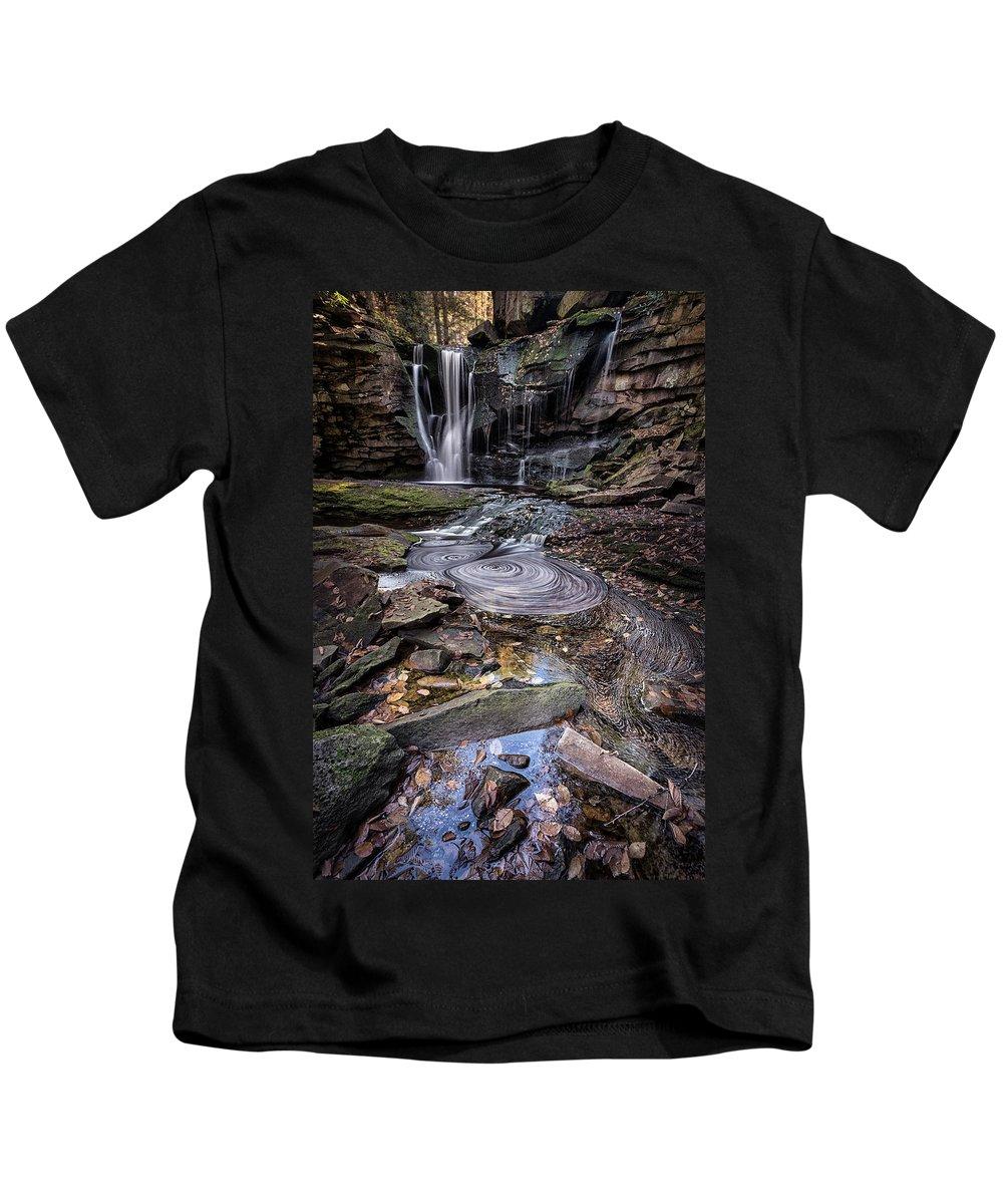 West Virginia Kids T-Shirt featuring the photograph Autumn At Elakala by Robert Fawcett