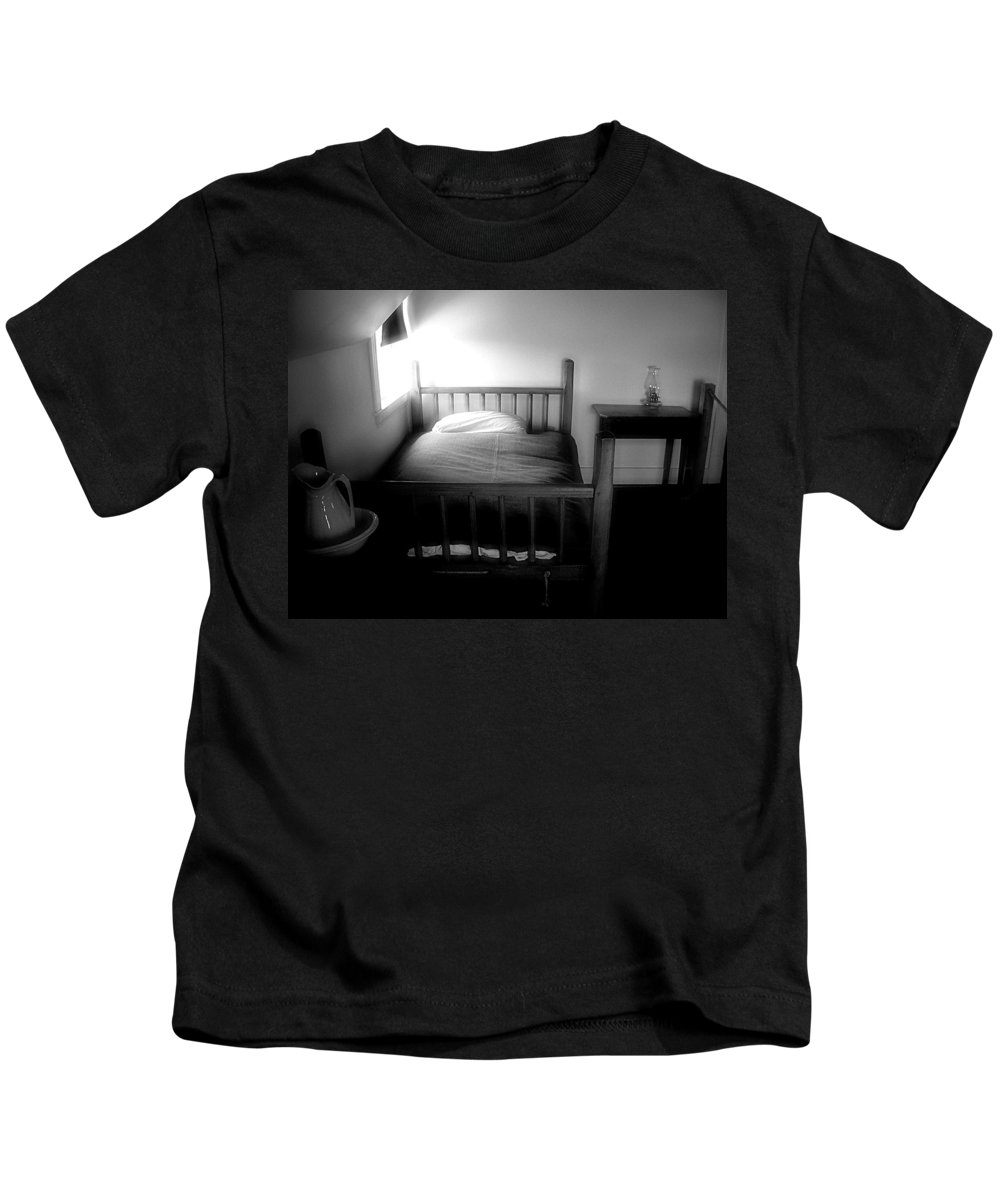Bedroom Kids T-Shirt featuring the photograph Gable Sanctuary by RC DeWinter