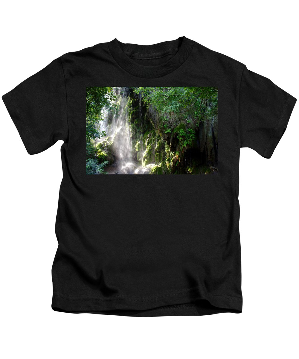 James Smullins Kids T-Shirt featuring the photograph Gormon Falls Colorado Bend State Park. by James Smullins