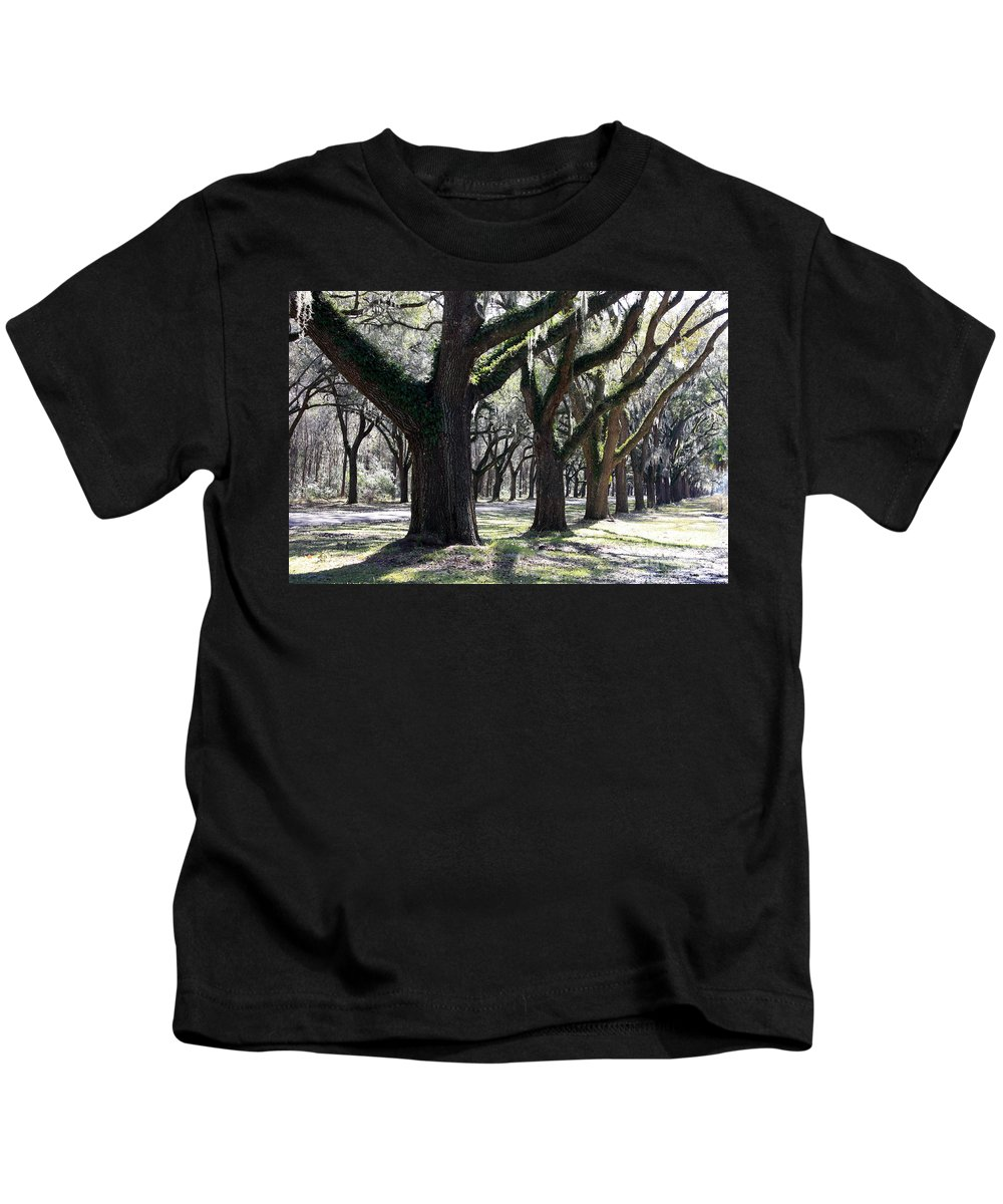 Row Of Trees Kids T-Shirt featuring the photograph Strong Trees In The South by Carol Groenen