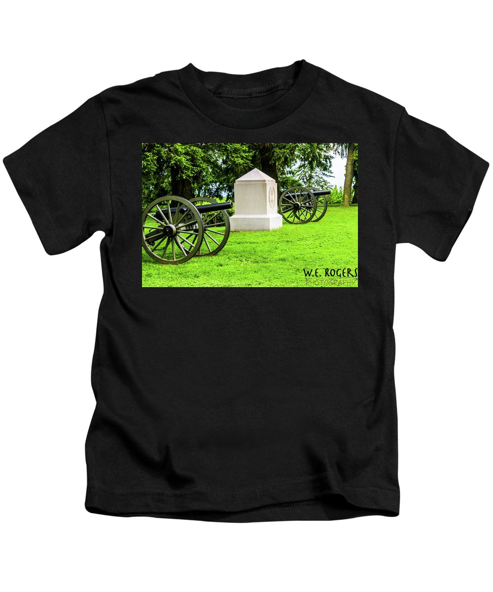 This Is A Photo Of The 1st Massachusetts's Battery At The Gettysburg National Cemetery Kids T-Shirt featuring the photograph 1st Mass Battery Gettysburg National Cemetery by William Rogers