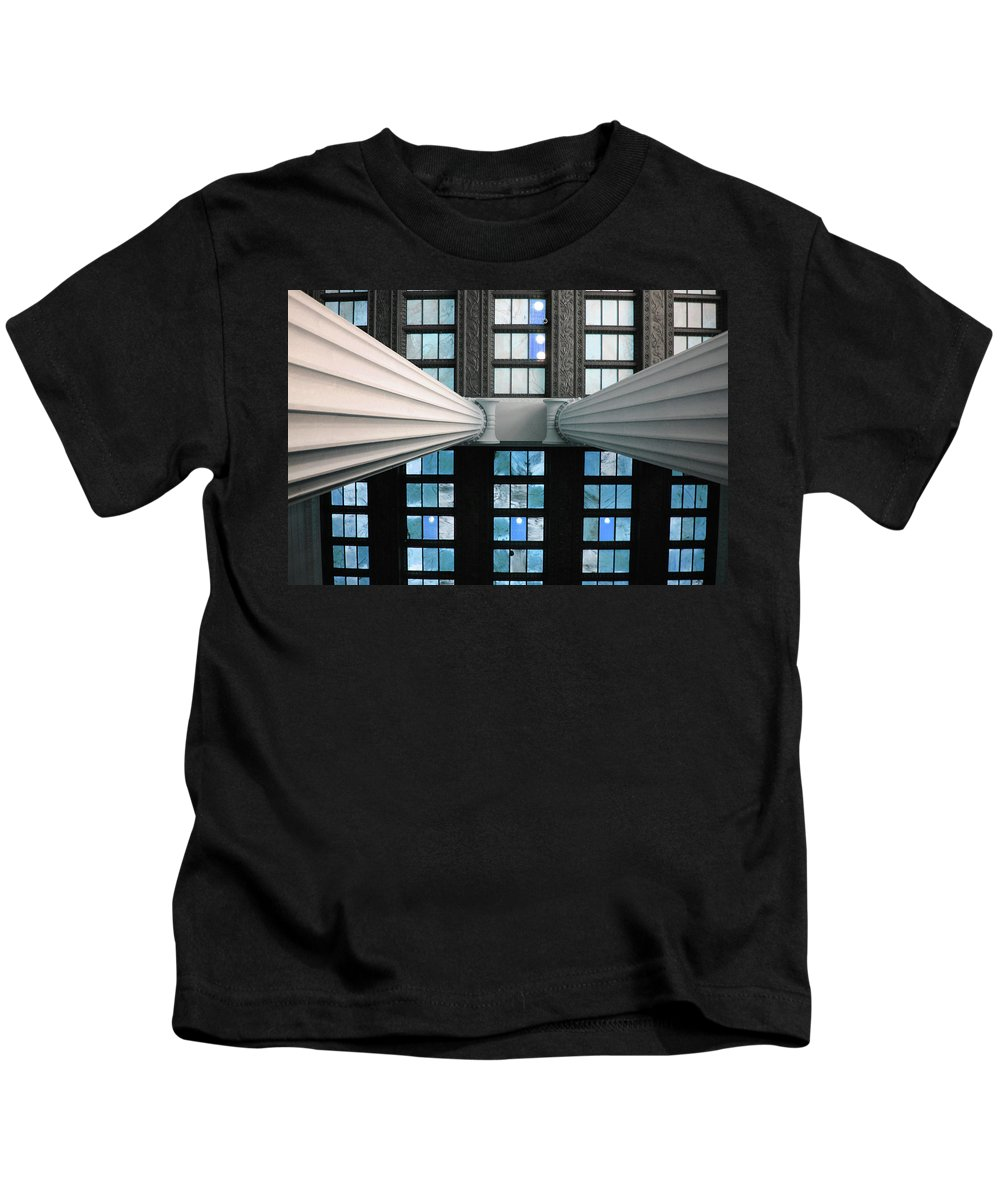 Lincoln Kids T-Shirt featuring the photograph 2 Column Stain Blue by Jost Houk