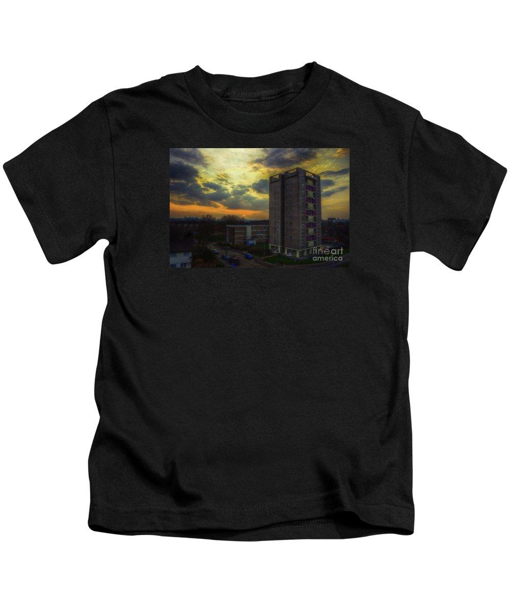Edmunds Tower Kids T-Shirt featuring the digital art Edmunds Tower by Nigel Bangert