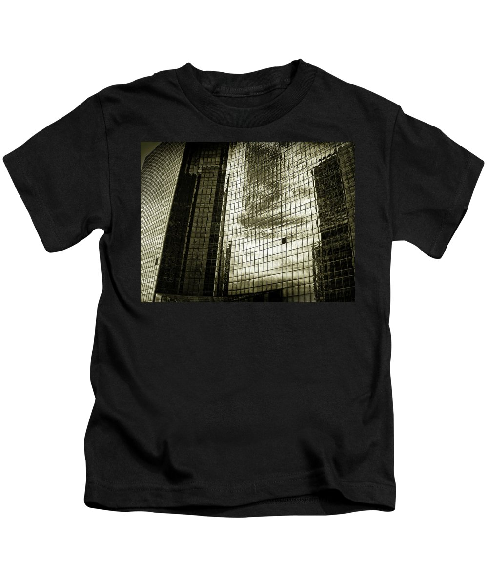 Chicago Kids T-Shirt featuring the photograph Skyscraper by Tomas Donauskas