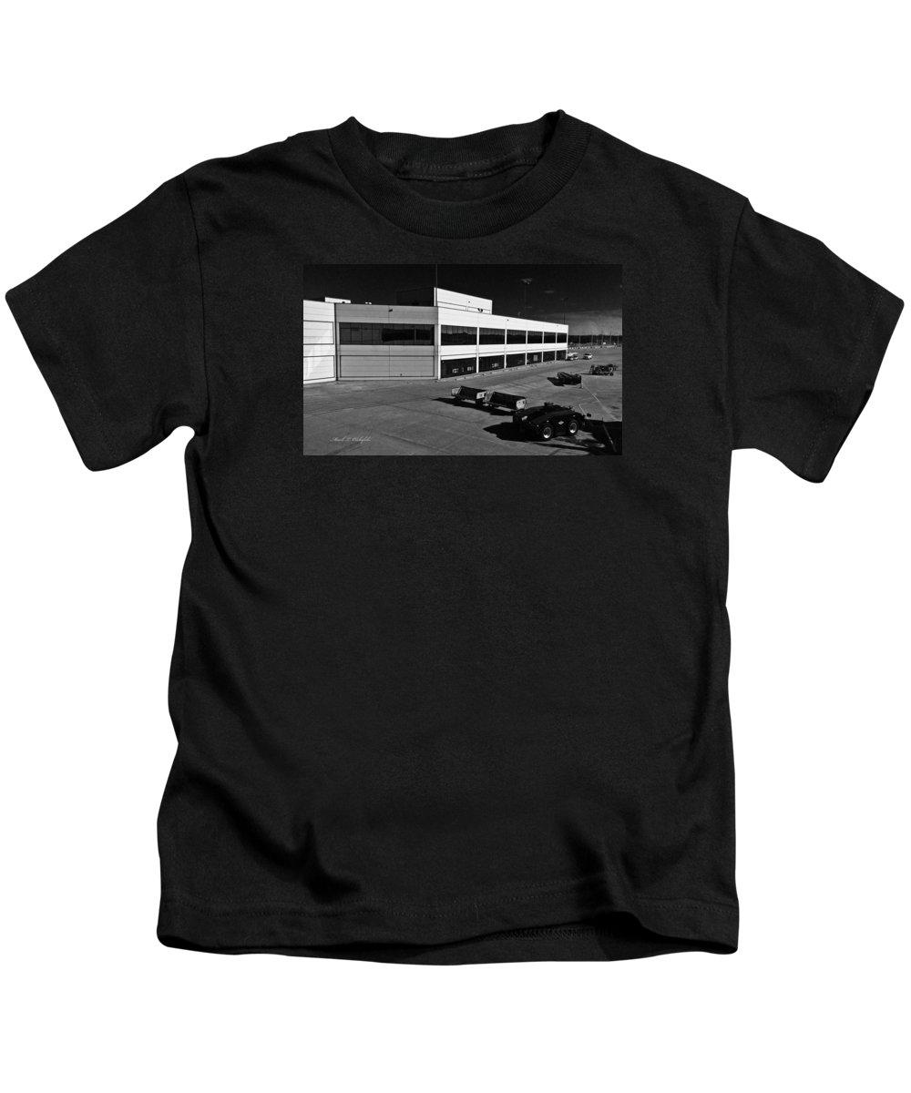 Nashville Kids T-Shirt featuring the photograph 2015 12 24 01 Nashville by Mark Olshefski