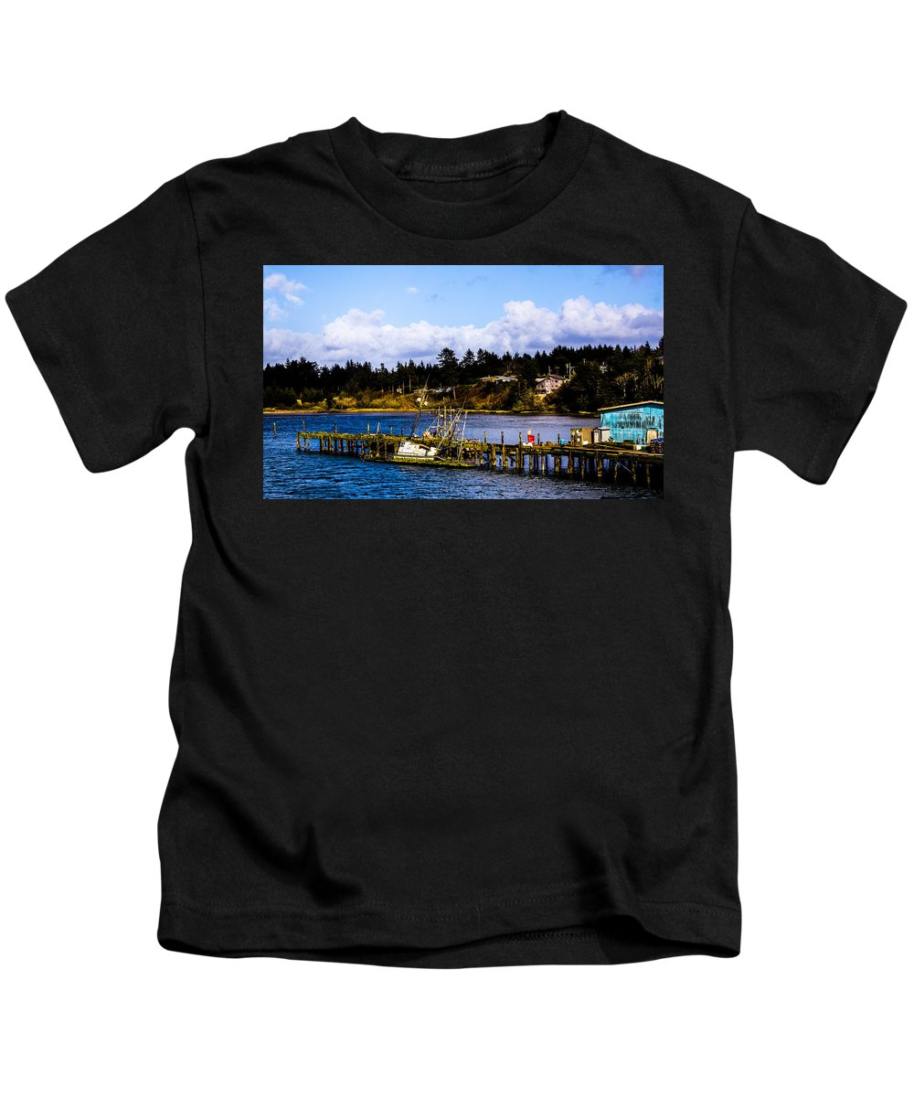 Kids T-Shirt featuring the photograph Charleston Or by Angus Hooper Iii
