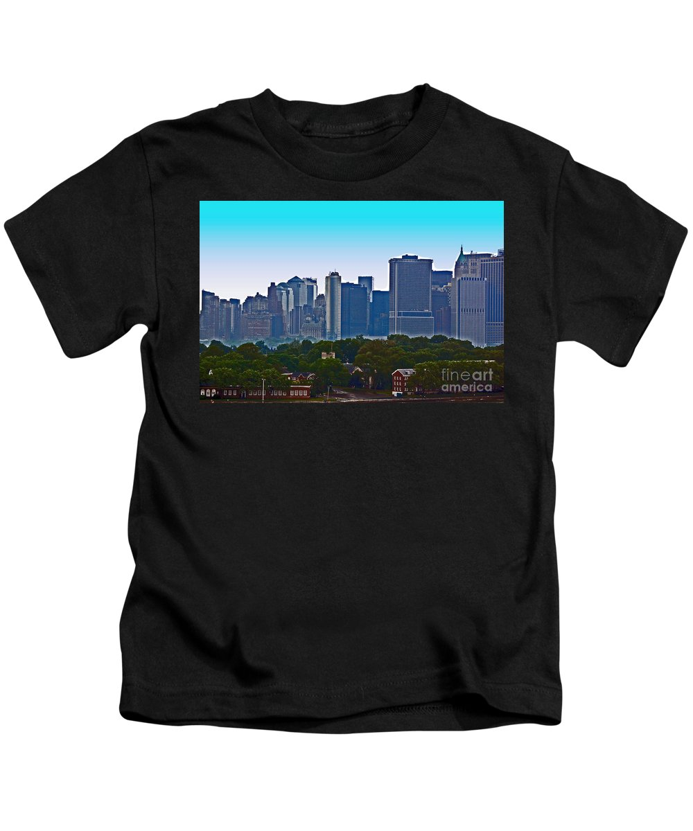 New York Kids T-Shirt featuring the photograph A Tree Grows In Brooklyn by Debbi Granruth