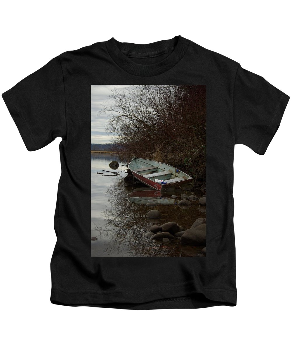 Abandoned Kids T-Shirt featuring the photograph Abandoned Boat by Cindy Johnston