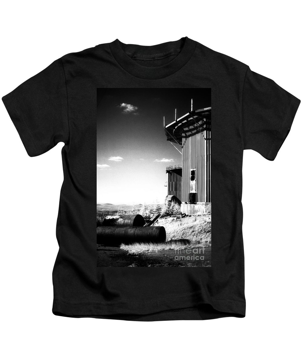 Abandoned Kids T-Shirt featuring the photograph Abandoned Radar by Richard Rizzo