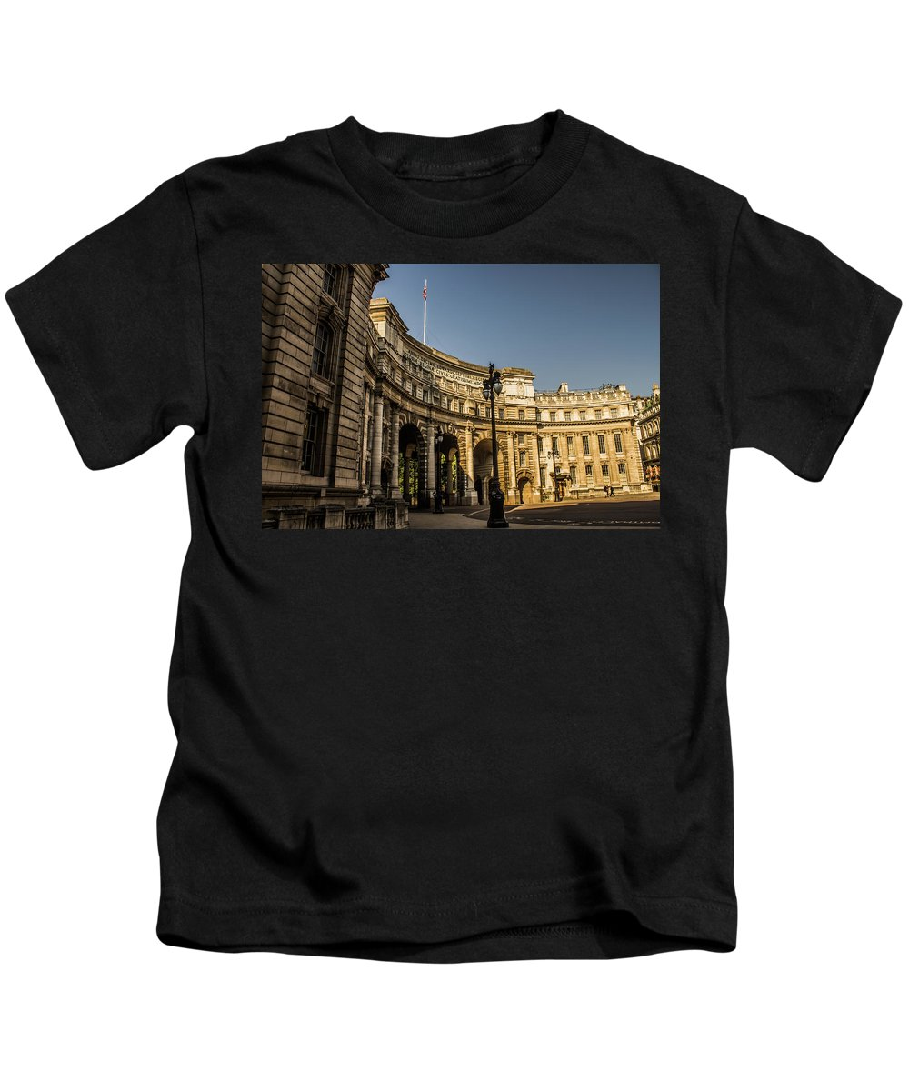 Admiralty Kids T-Shirt featuring the photograph Admiralty Arch. by Nigel Dudson