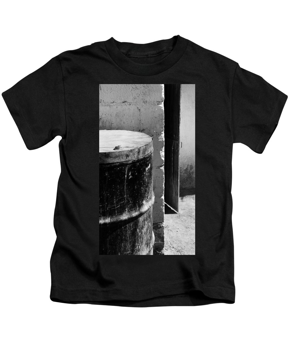 Skip Hunt Kids T-Shirt featuring the photograph Agua by Skip Hunt