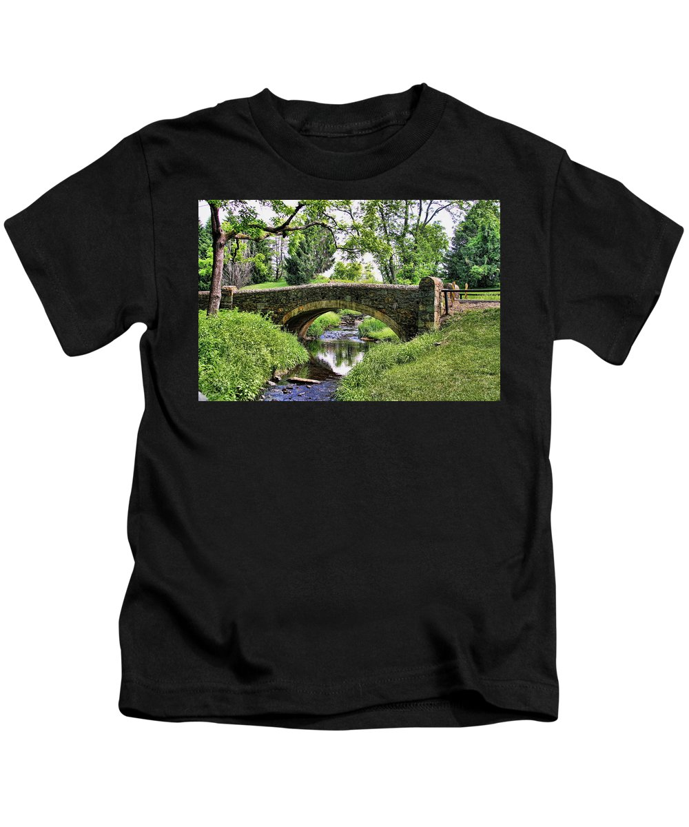 Airlie Road Bridge Kids T-Shirt featuring the photograph Airlie Road Bridge by David Byron Keener