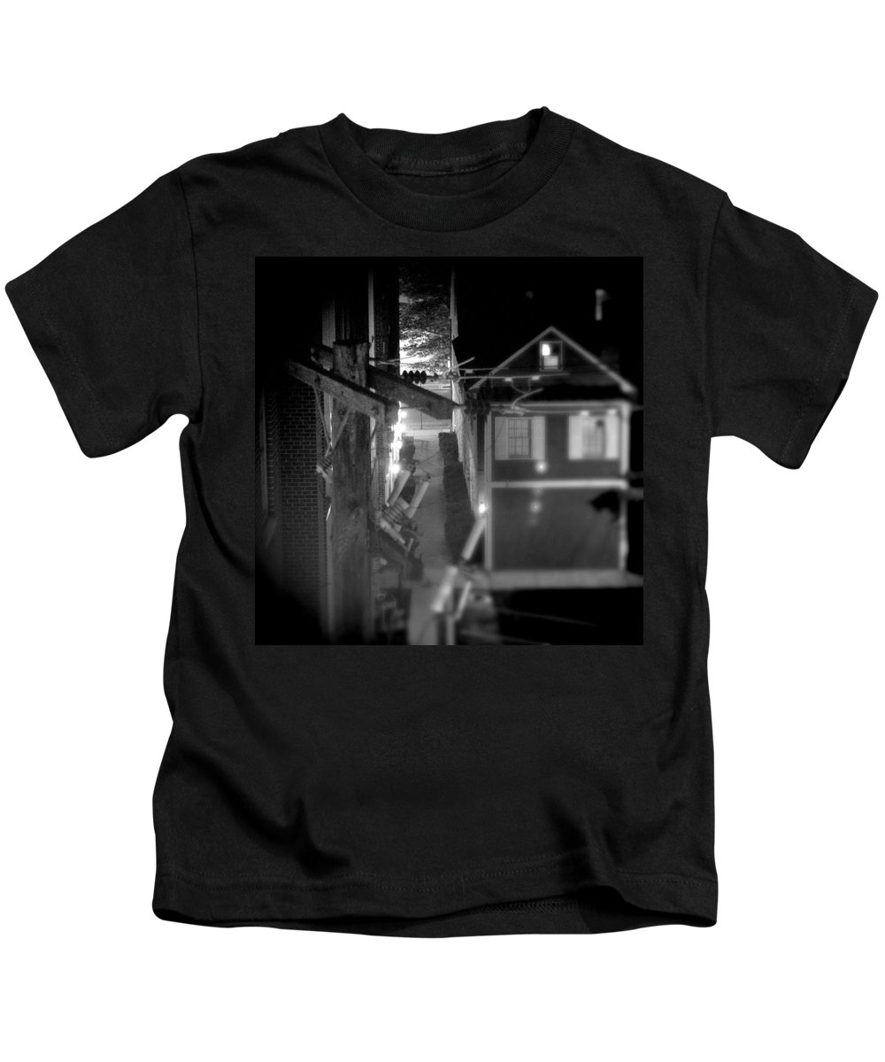 Alley Kids T-Shirt featuring the photograph Alley To High by Jean Macaluso