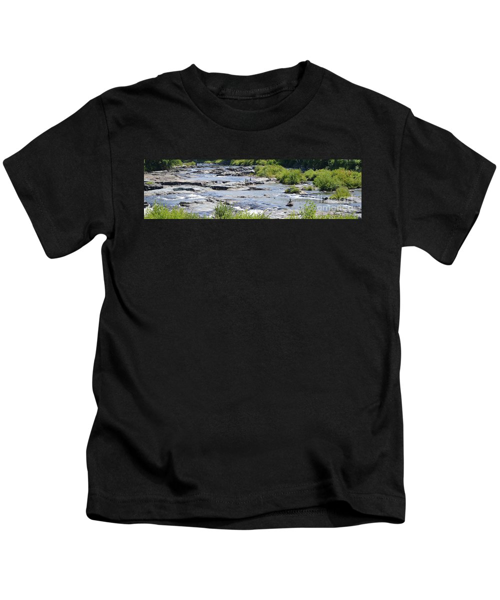 New Hampshire Kids T-Shirt featuring the photograph Ammonoosuc Sculptures by Meandering Photography