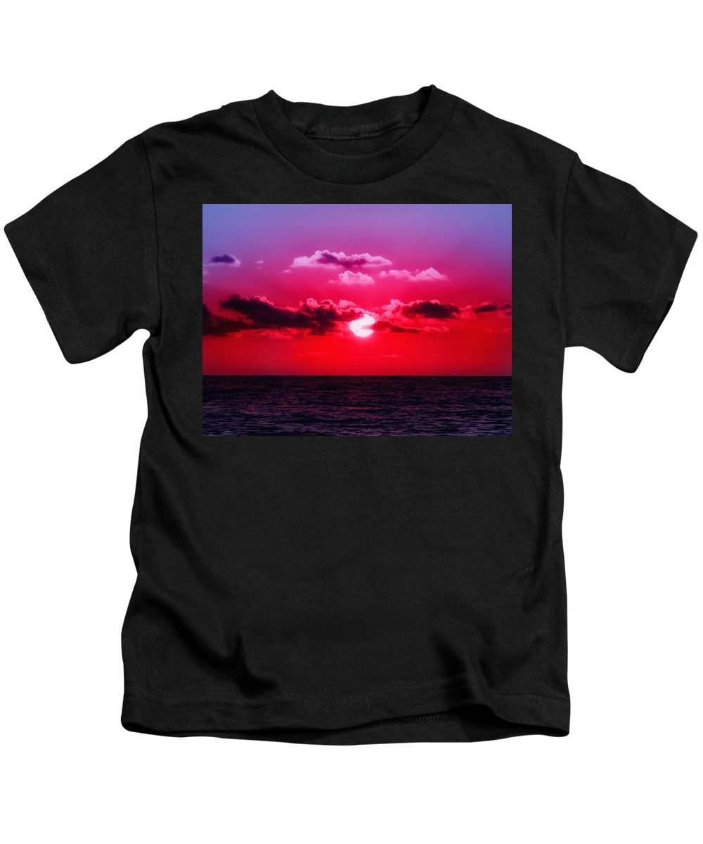 Sunset Kids T-Shirt featuring the photograph Another Day Another Sunset by Bill Cannon