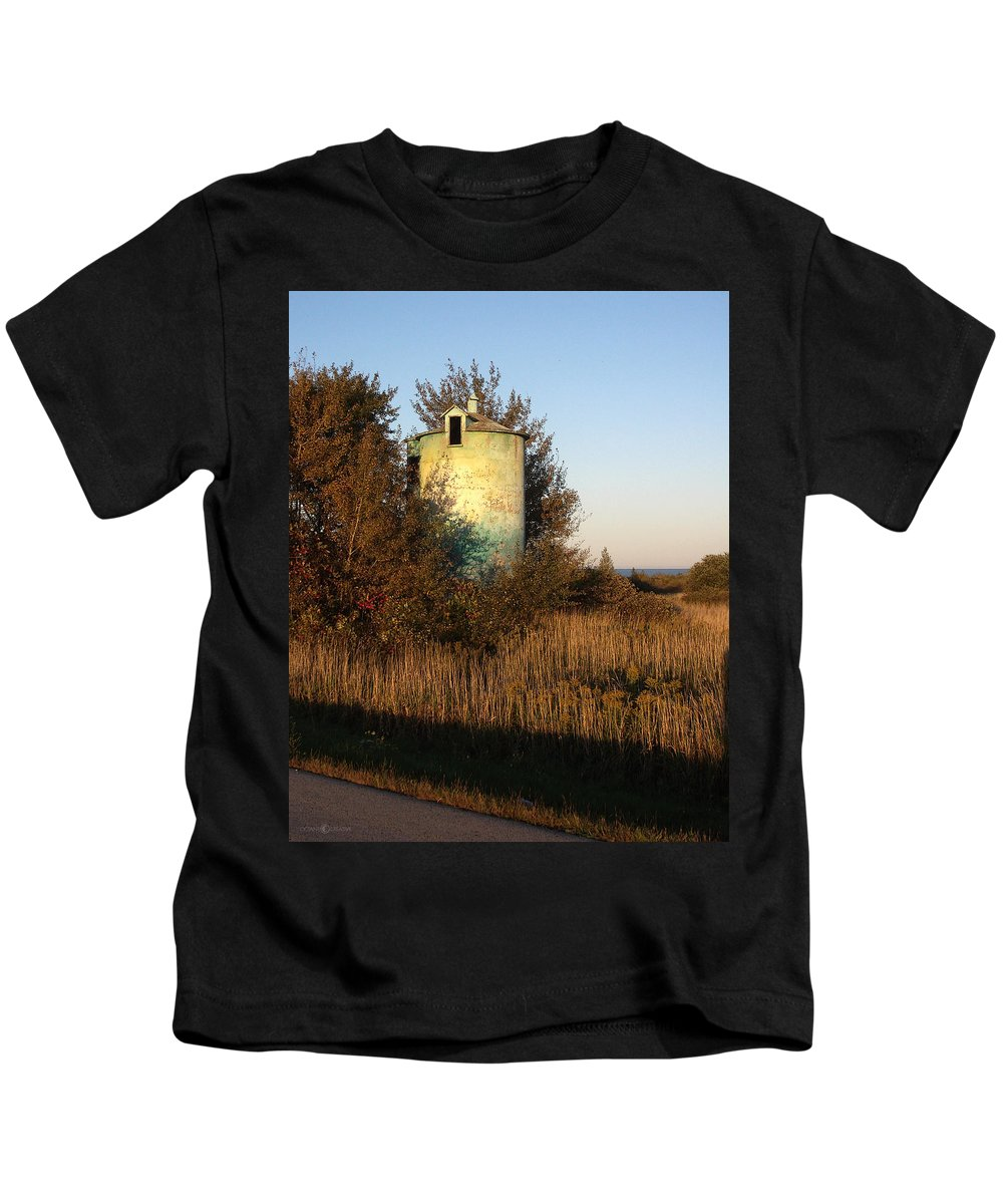 Silo Kids T-Shirt featuring the photograph Aqua Silo by Tim Nyberg
