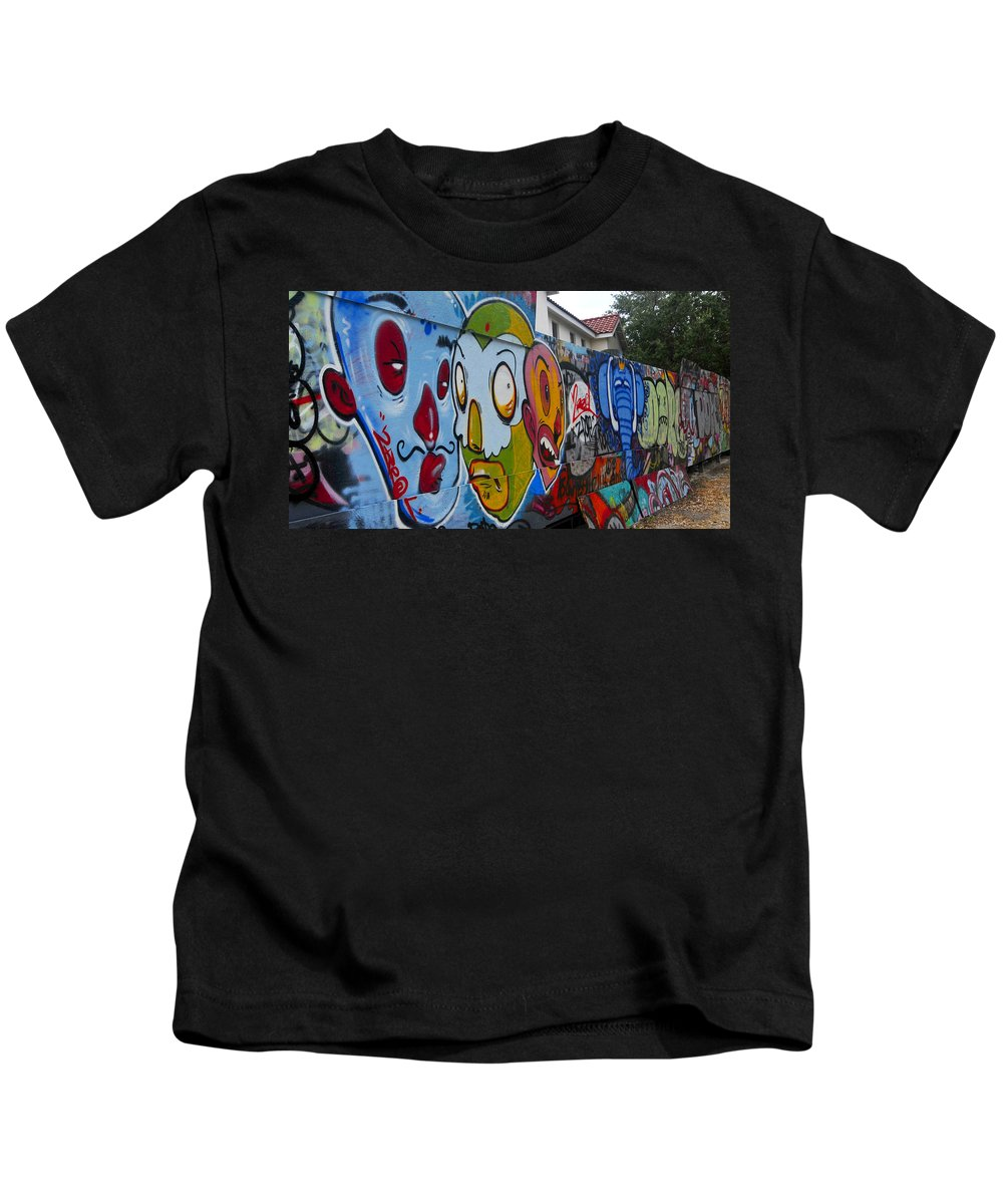 Art Kids T-Shirt featuring the photograph Art Of The Circus by David Lee Thompson