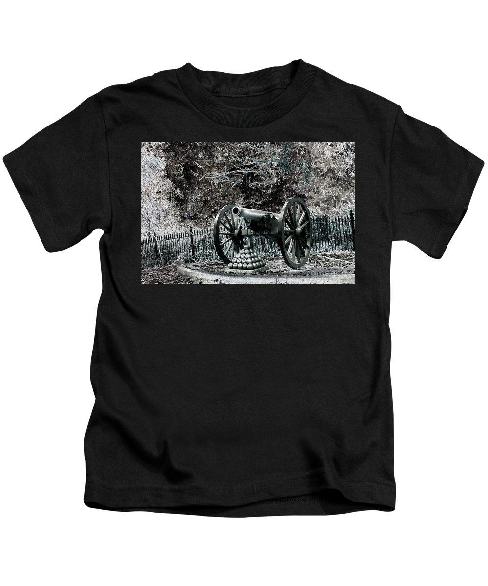Civil War Kids T-Shirt featuring the photograph Artillery At Pickettes Charge by Paul W Faust - Impressions of Light