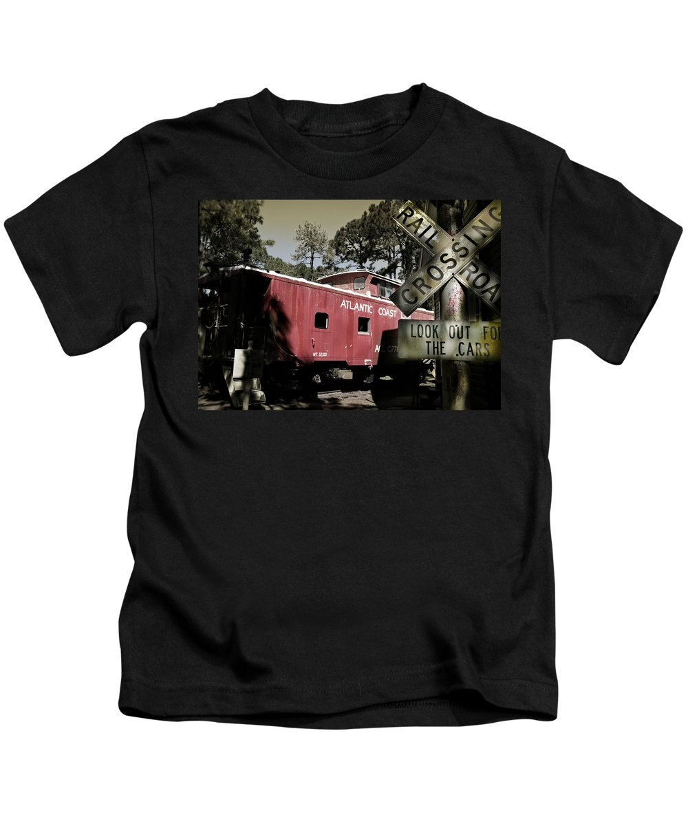 Atlantic Kids T-Shirt featuring the photograph Atlantic Coast Line Railroad Carriage by Mal Bray