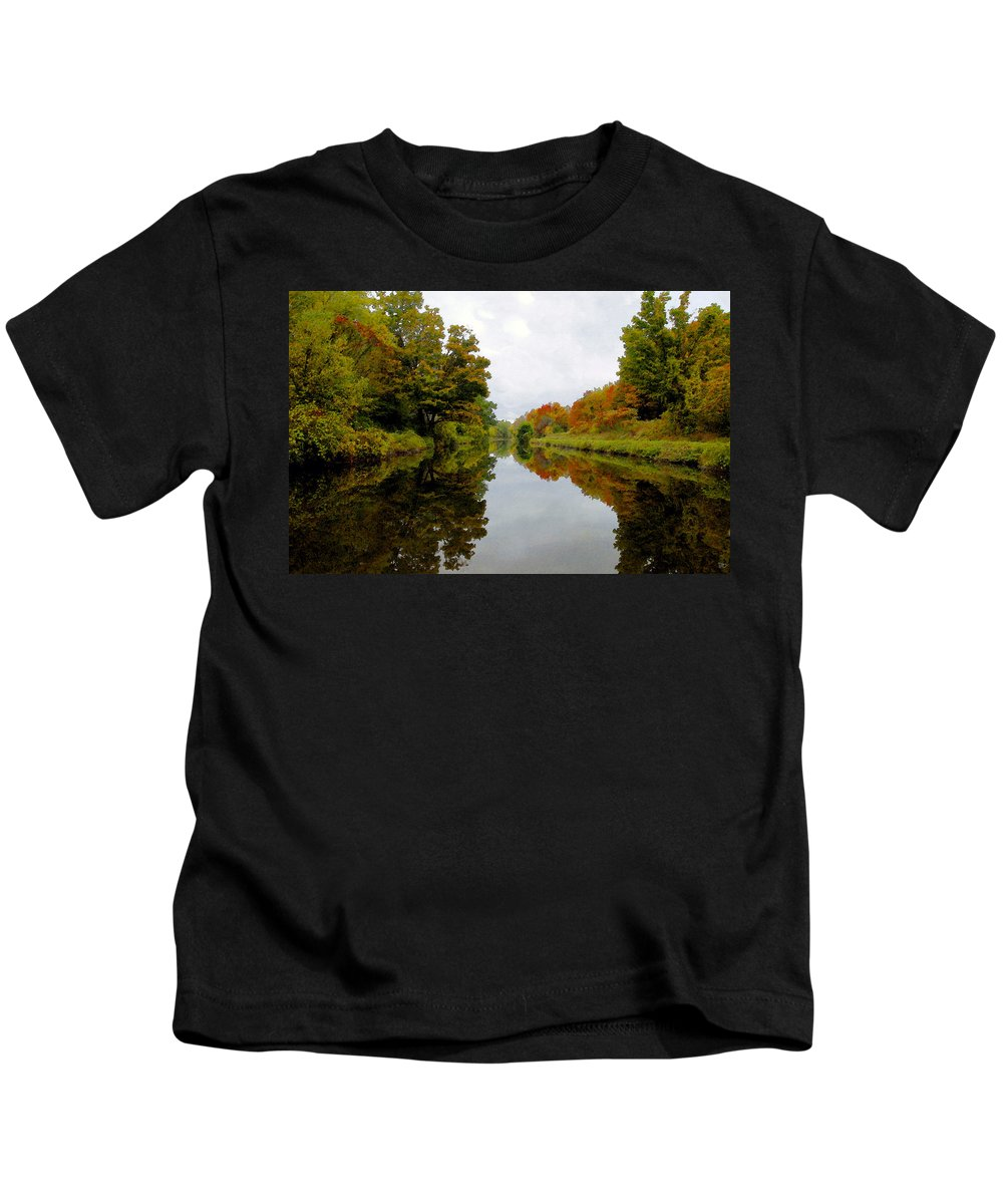 Eire Canal New York Kids T-Shirt featuring the painting Autumn On The Erie Canal by David Lee Thompson