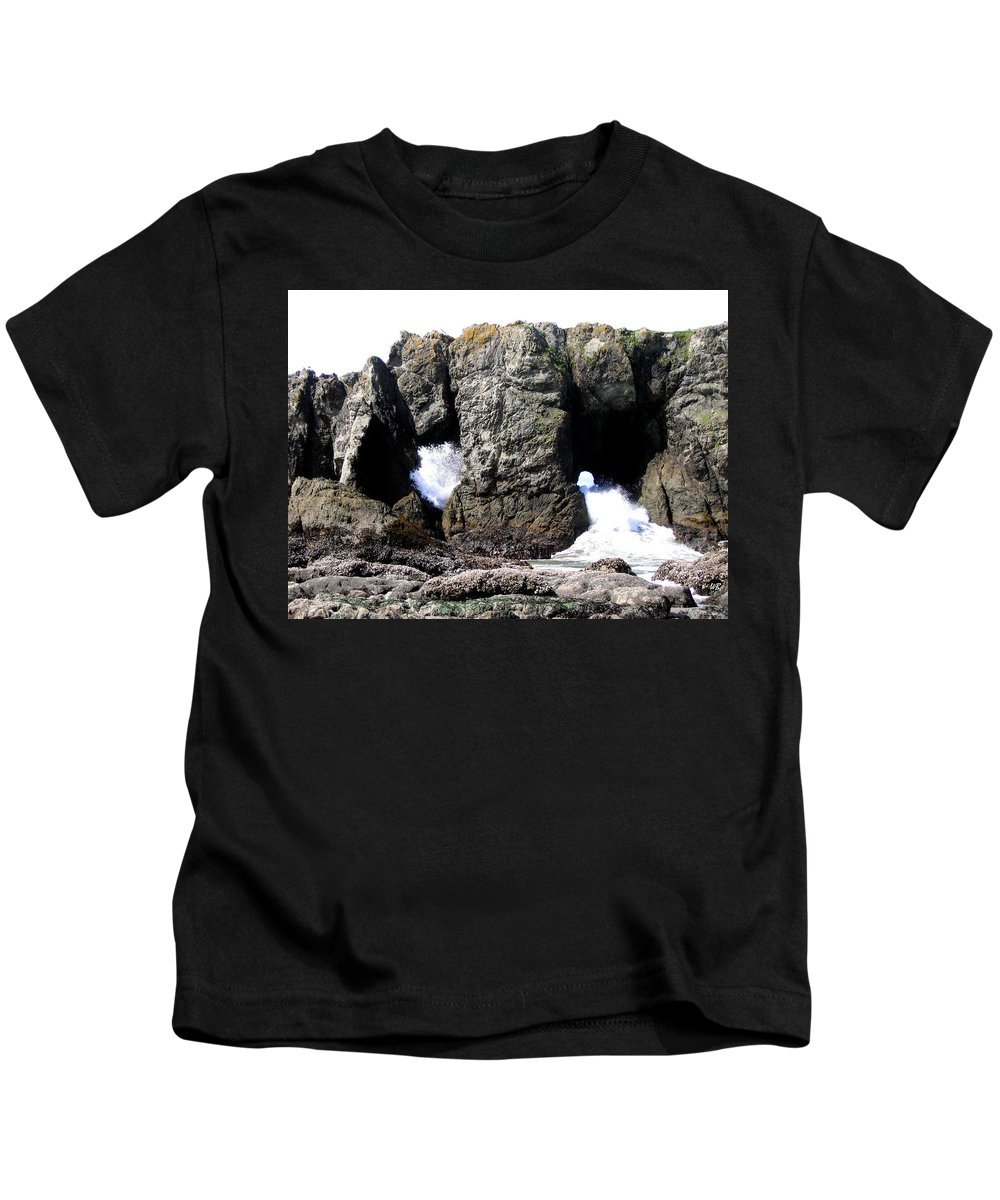 Bandon Kids T-Shirt featuring the photograph Bandon 17 by Will Borden