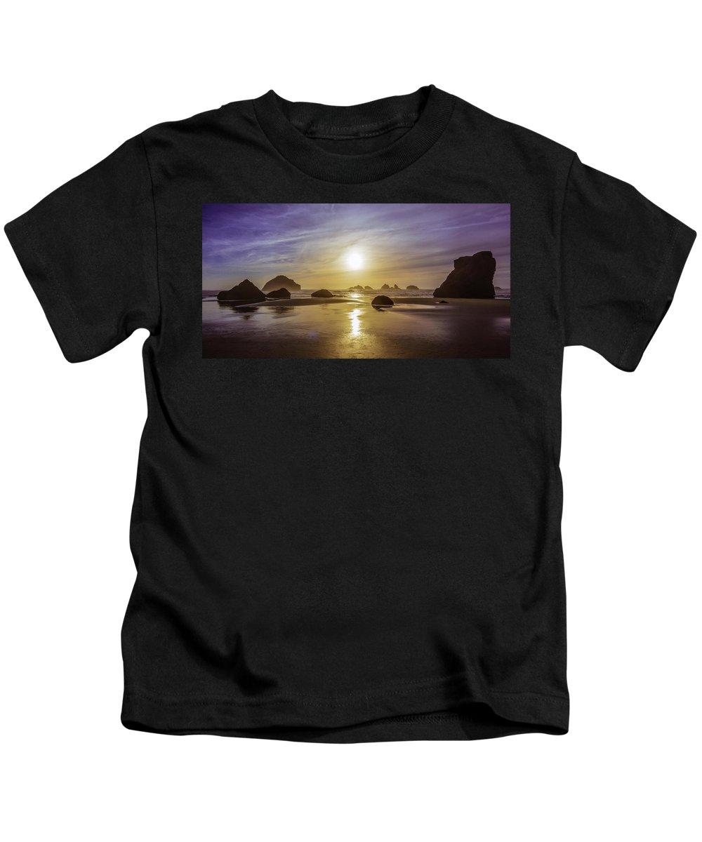 Bandon Kids T-Shirt featuring the photograph Bandon Glow by Steven Clark