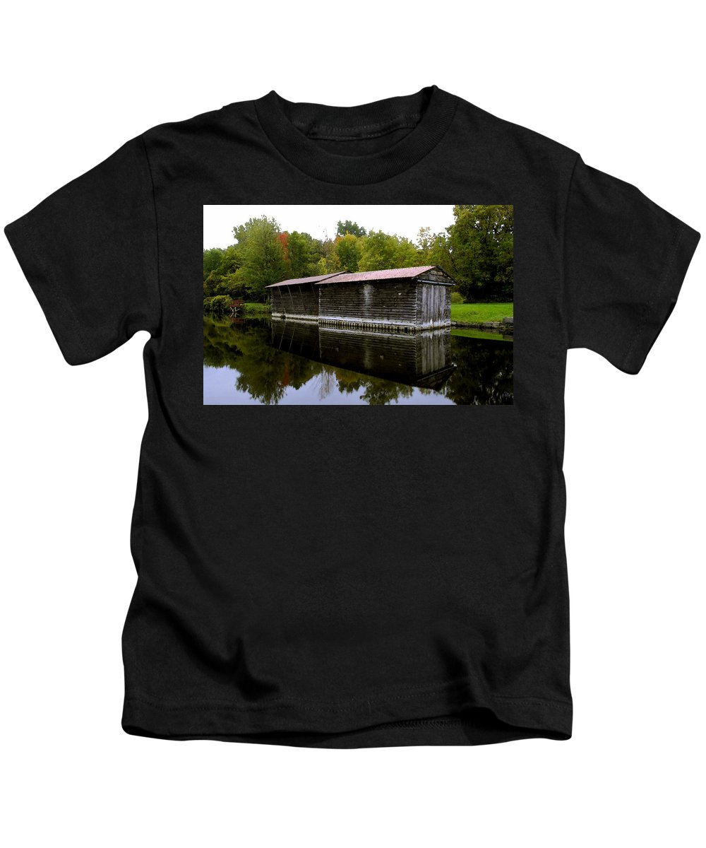 Barge House Kids T-Shirt featuring the painting Barge House On The Erie Canal by David Lee Thompson