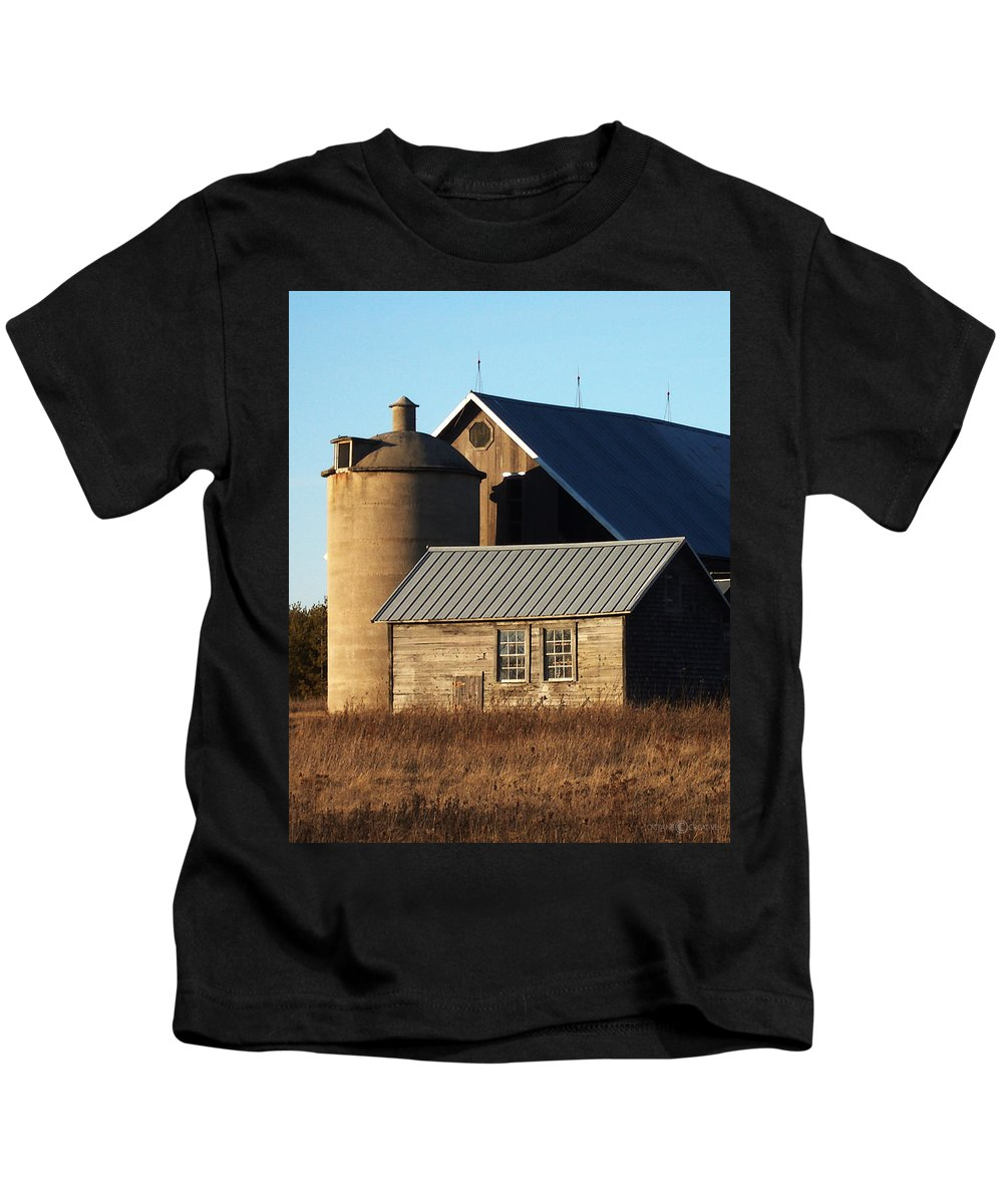 Barn Kids T-Shirt featuring the photograph Barn At 57 And Q by Tim Nyberg