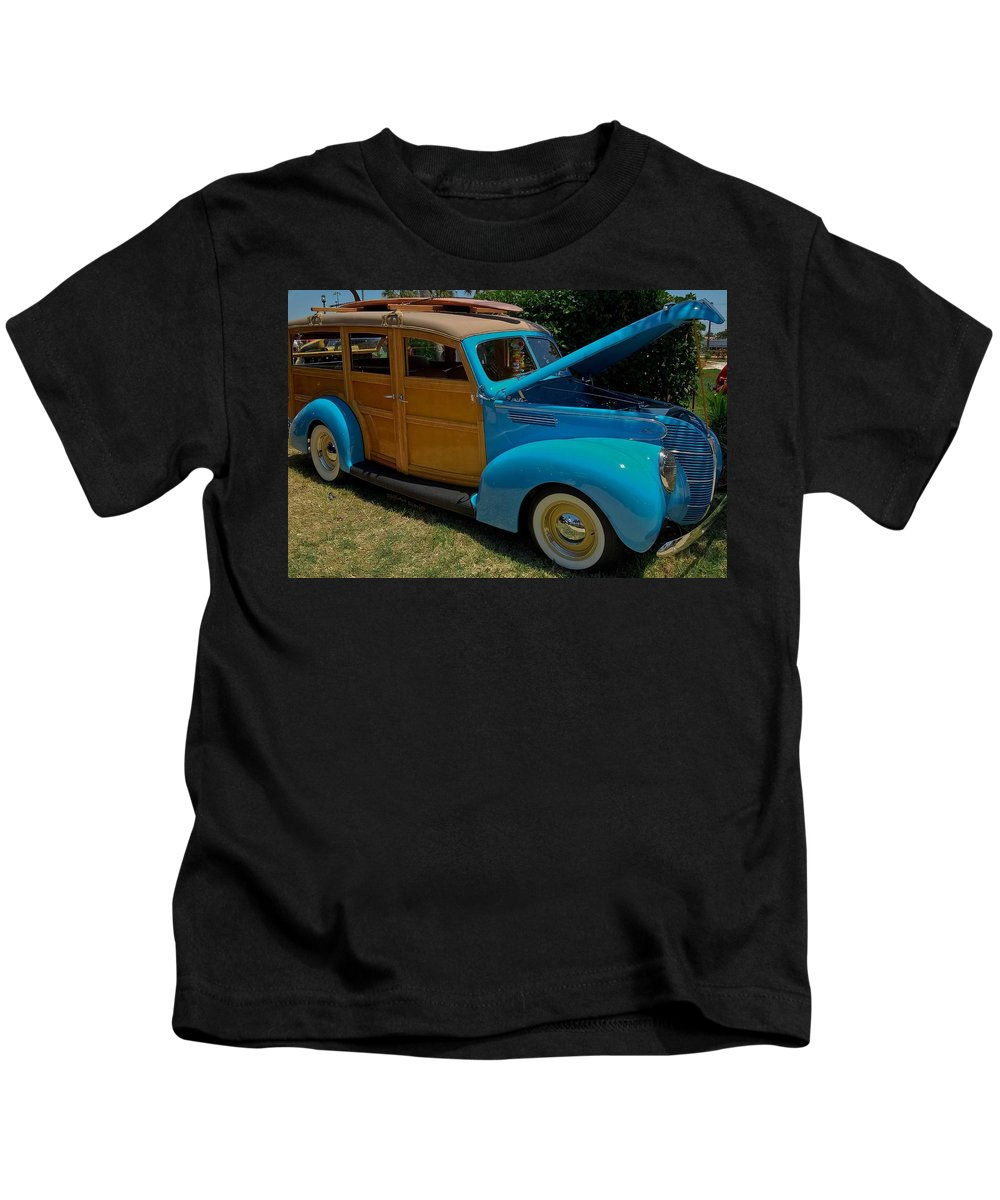 1939 Kids T-Shirt featuring the photograph Beach Wagon by DigiArt Diaries by Vicky B Fuller