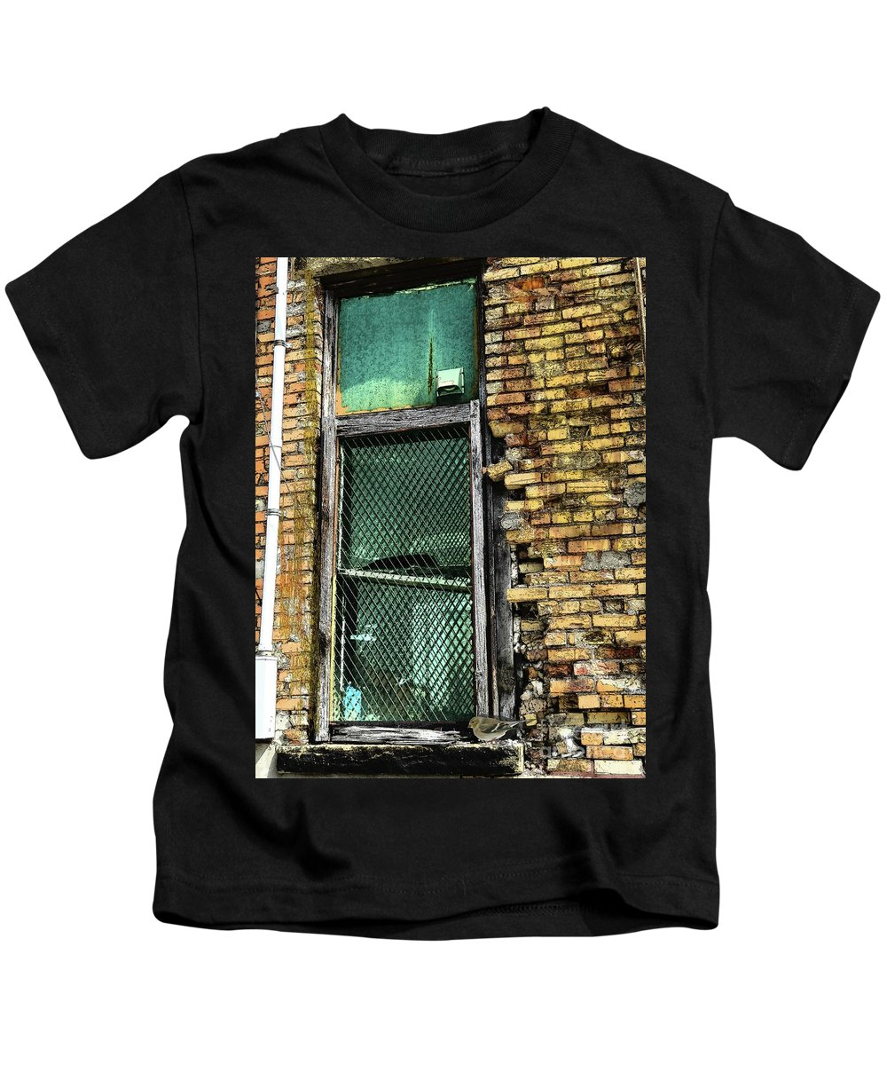Urban Decay Kids T-Shirt featuring the photograph Bird In The Window by Desiree Paquette
