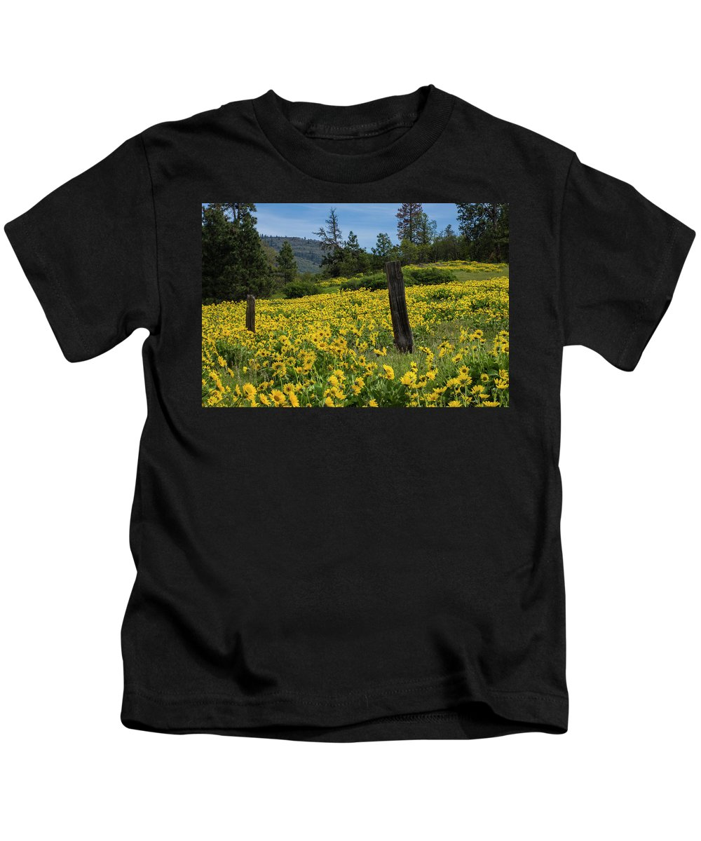 Oregon Kids T-Shirt featuring the photograph Blooming Fence by Steven Clark
