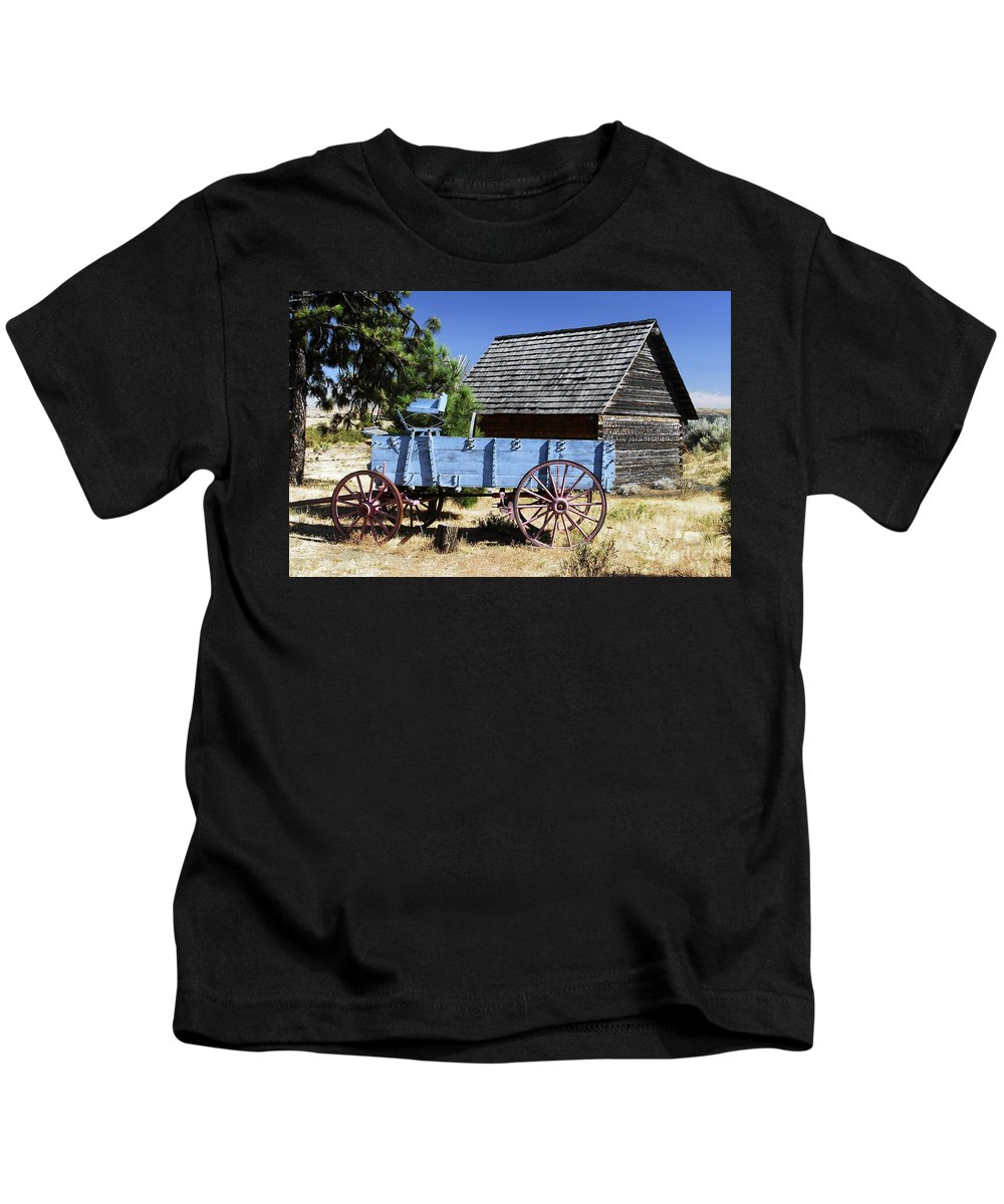 Wagon Kids T-Shirt featuring the photograph Blue Wagon by David Lee Thompson