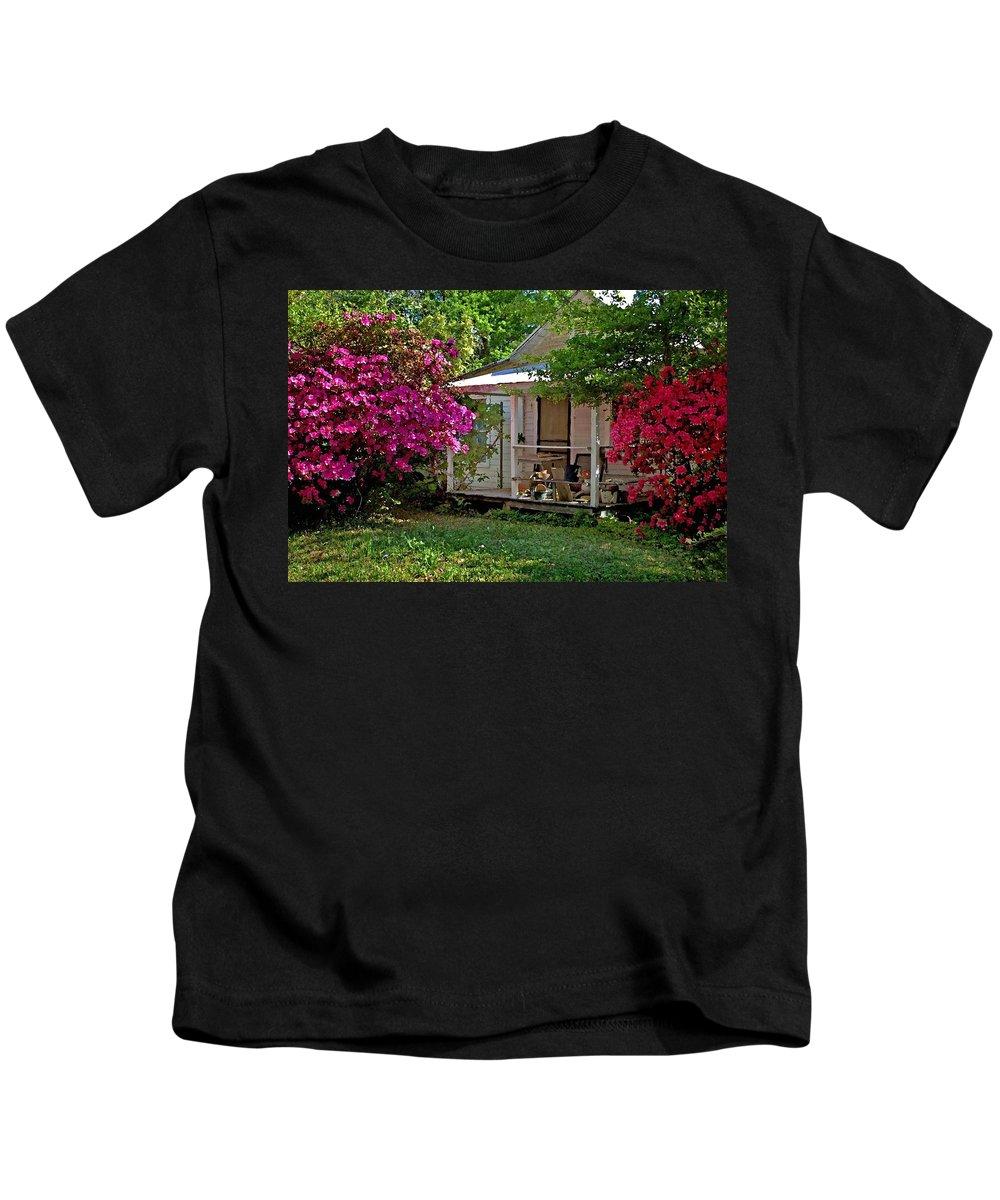 Fairhope Kids T-Shirt featuring the digital art Bon Secour Pink Porch by Michael Thomas