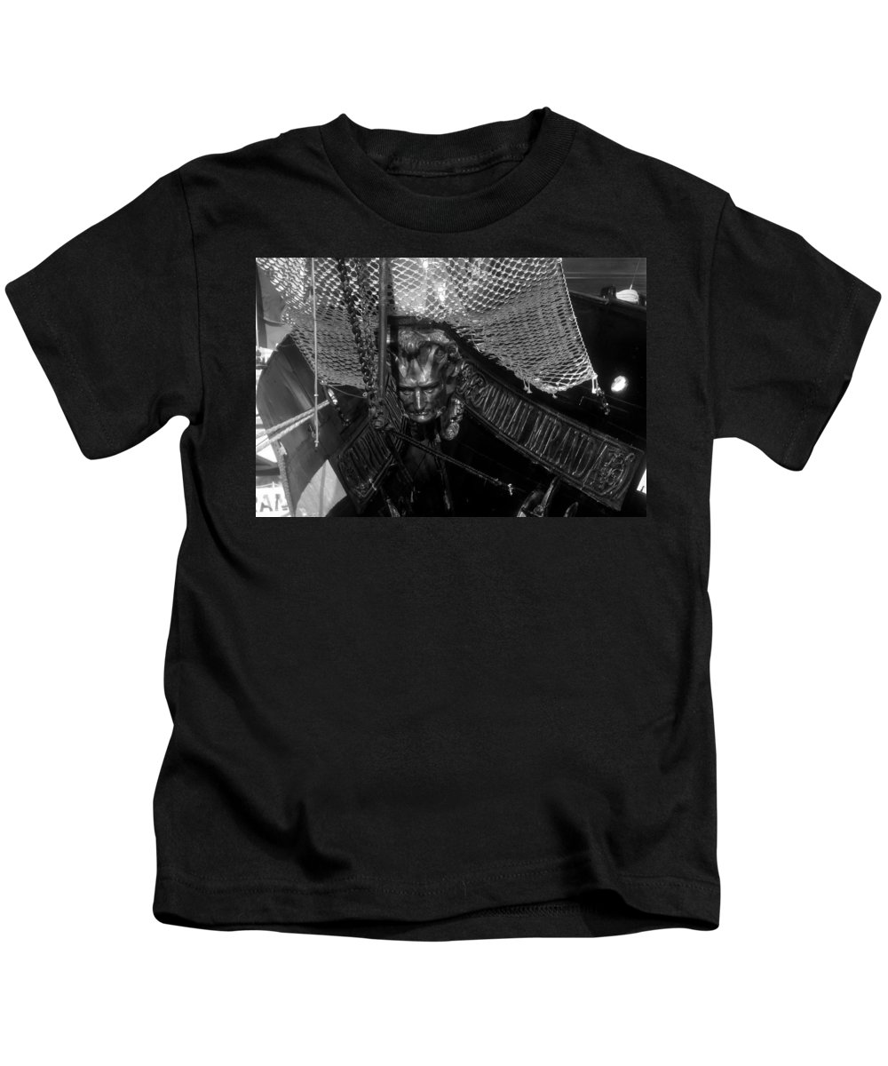 Captain Miranda Kids T-Shirt featuring the photograph Bow Of The Captain Miranda by David Lee Thompson