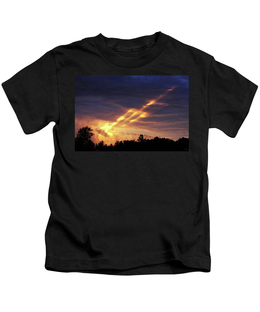 Brad Brailsford Kids T-Shirt featuring the photograph Breaking Storm by Brad Brailsford