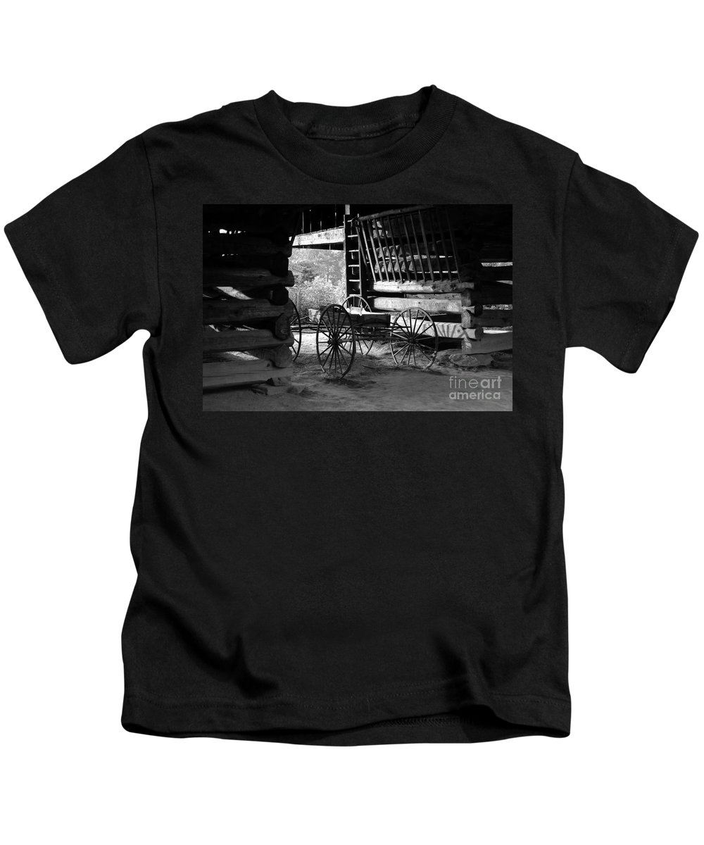 Buggy Kids T-Shirt featuring the photograph Buggy by David Lee Thompson