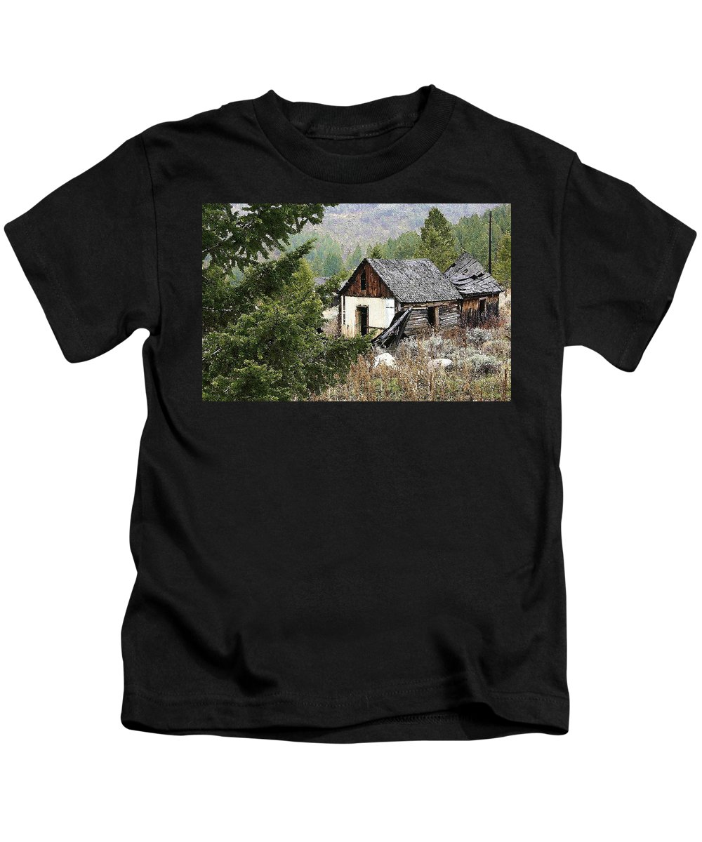 Cabin Kids T-Shirt featuring the photograph Cabin In Need Of Repair by Nelson Strong