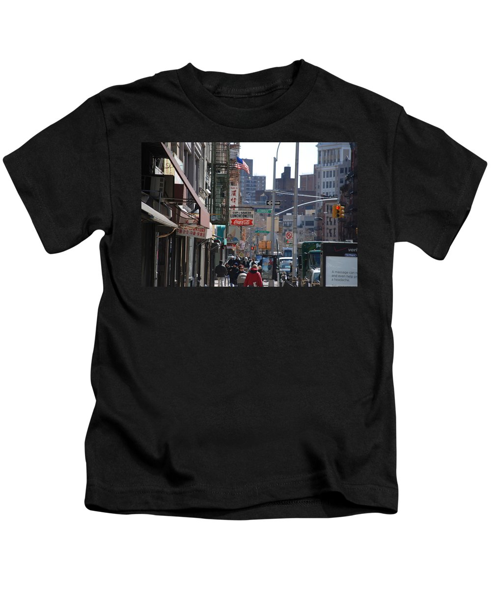 Architecture Kids T-Shirt featuring the photograph Canal And Eldridge by Rob Hans