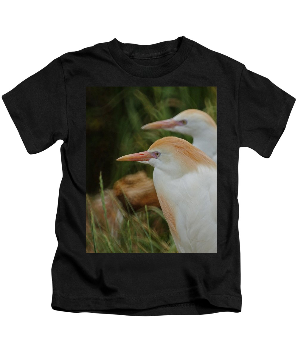 Animals Kids T-Shirt featuring the mixed media Cattle Egrets Dry Brushed by Ernie Echols