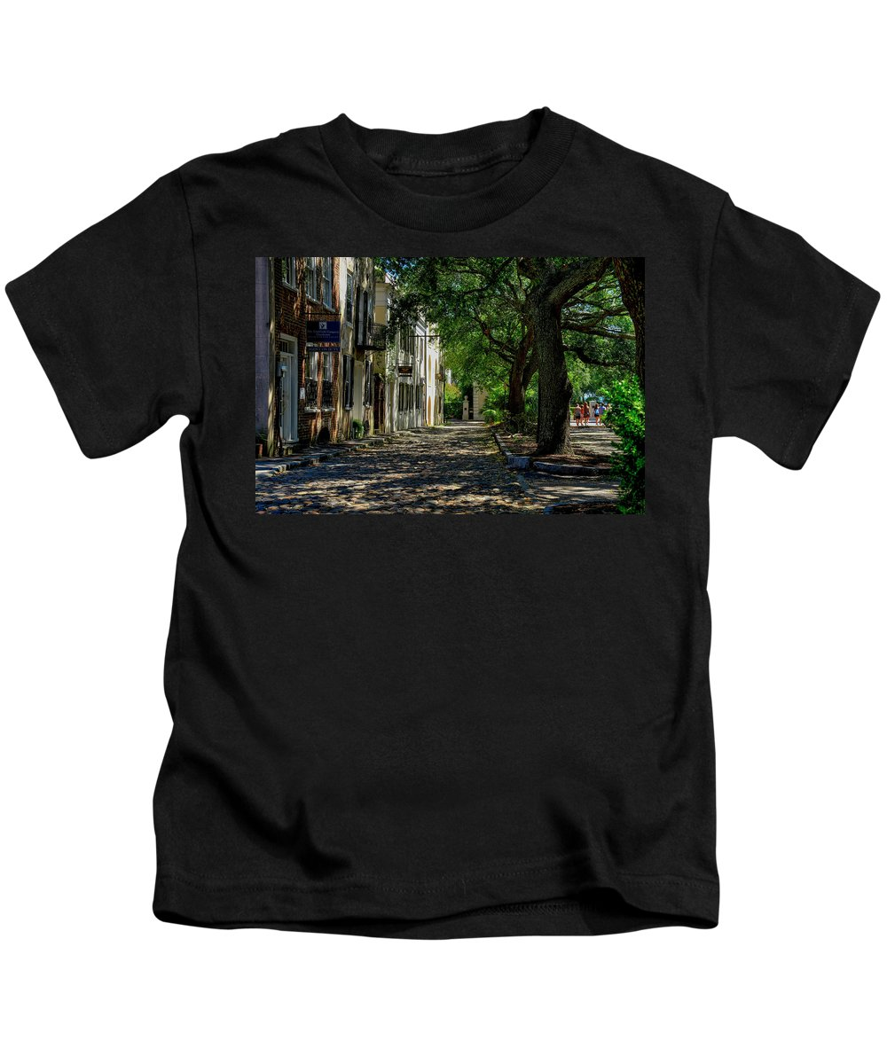 Side Kids T-Shirt featuring the photograph Charleston Side Street by TJ Baccari