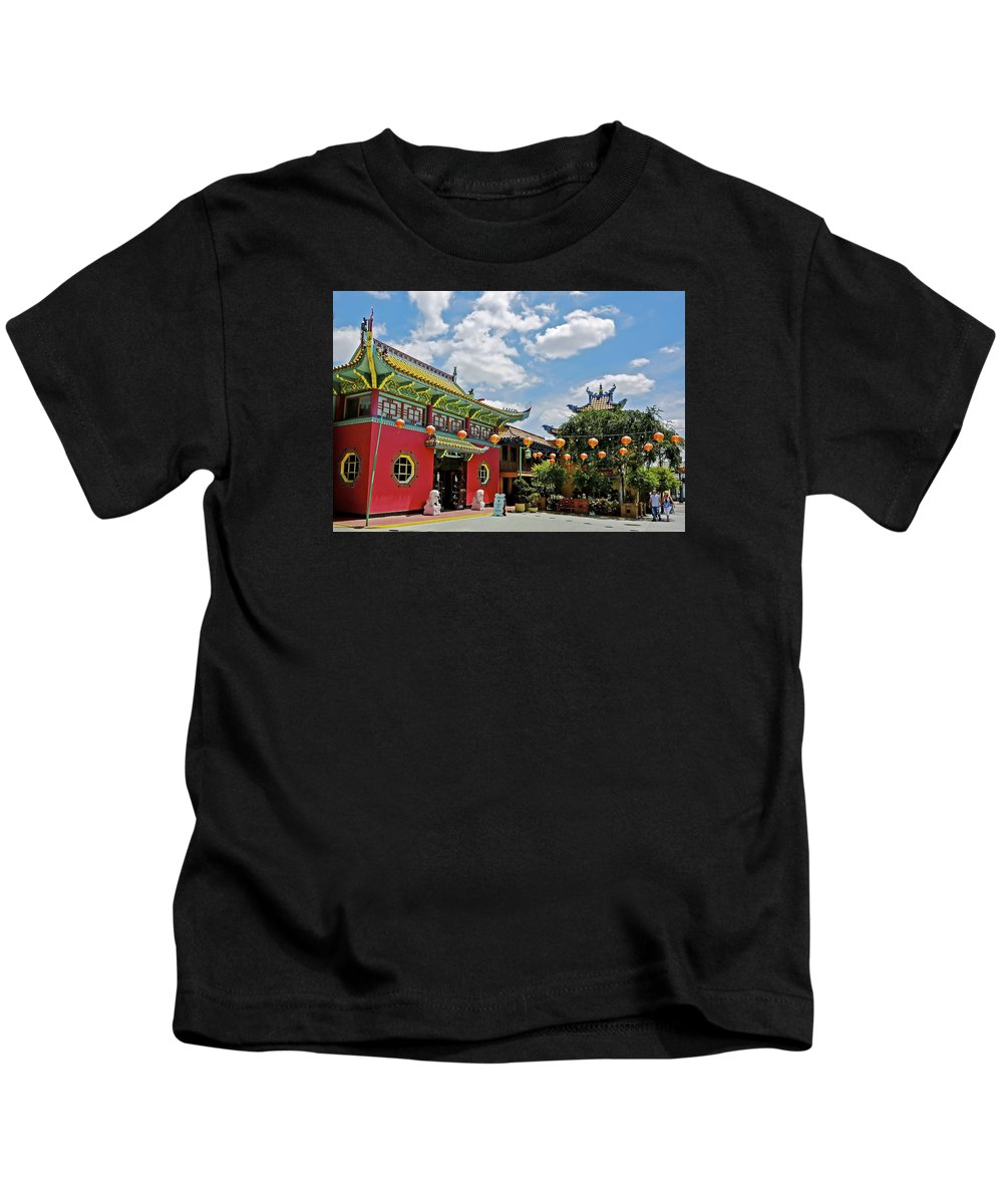Chinatown Kids T-Shirt featuring the photograph Chinatown Los Angeles #2 by Edita De Lima