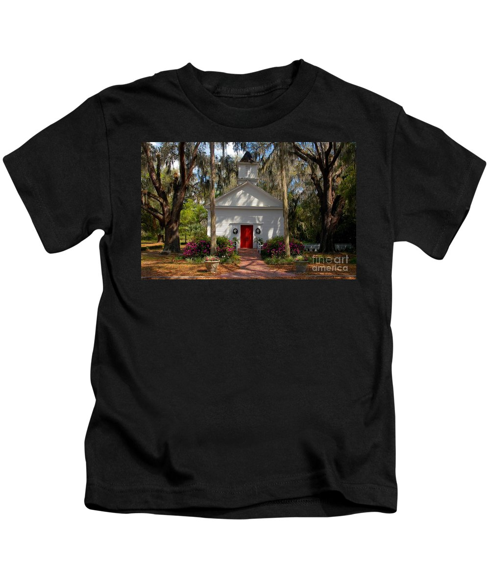 Micanopy Florida Kids T-Shirt featuring the photograph Church At Micanopy by David Lee Thompson