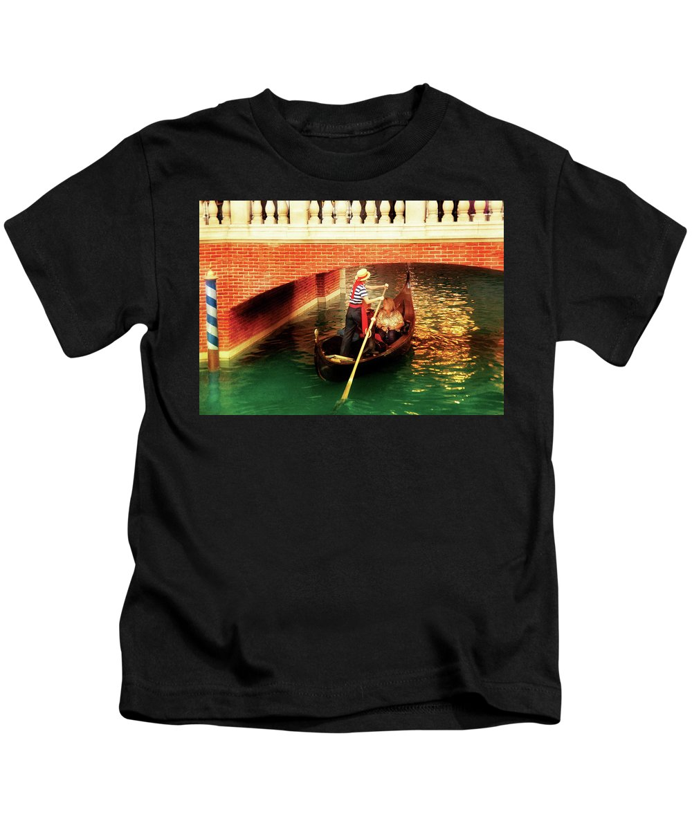 Savad Kids T-Shirt featuring the photograph City - Vegas - Venetian - That's Amore by Mike Savad