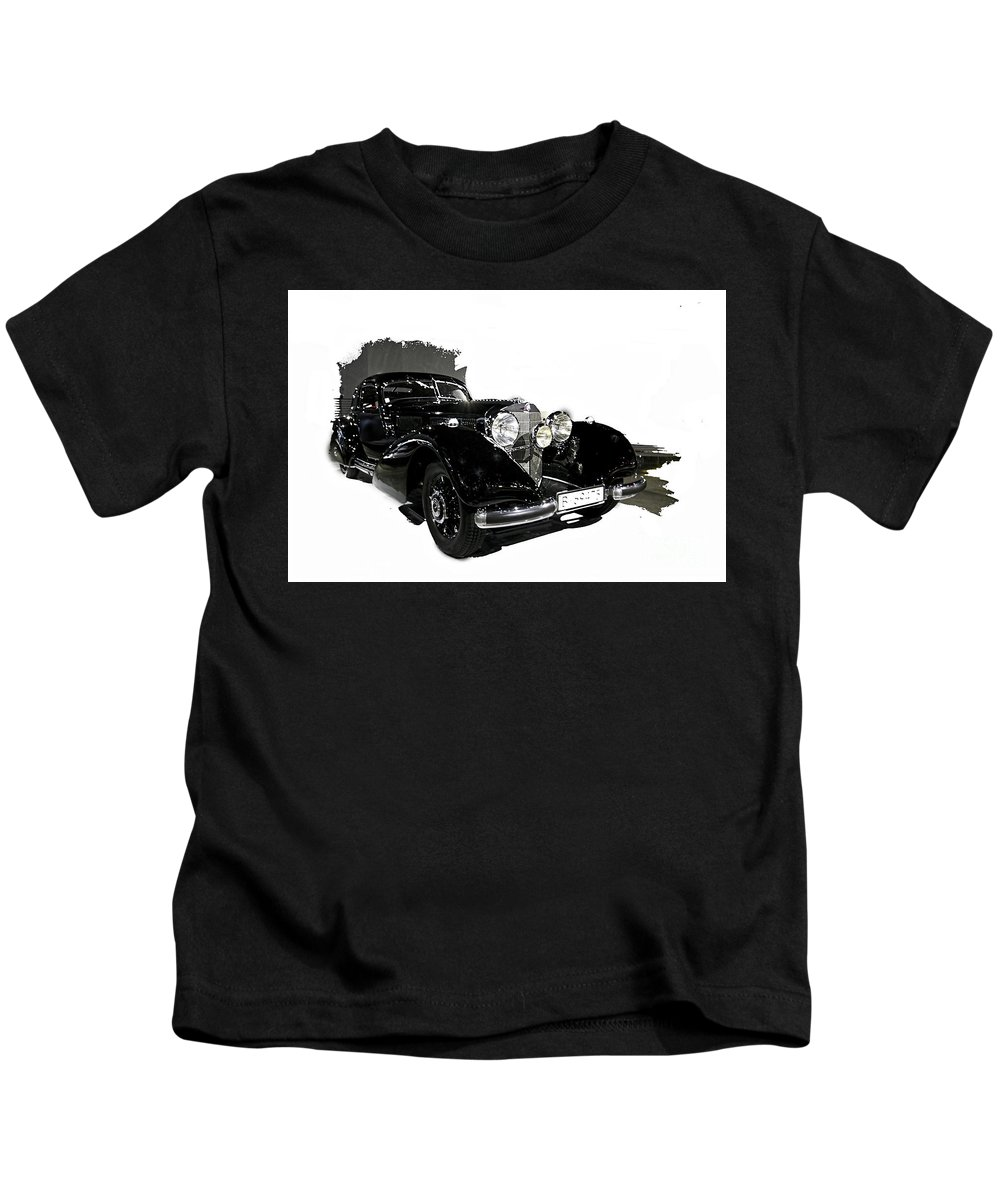 Classic Cars Kids T-Shirt featuring the photograph Classic Car 3 by Tom Griffithe