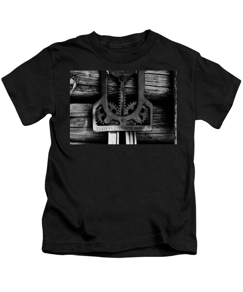Gears Kids T-Shirt featuring the photograph Clipper Gears by David Lee Thompson