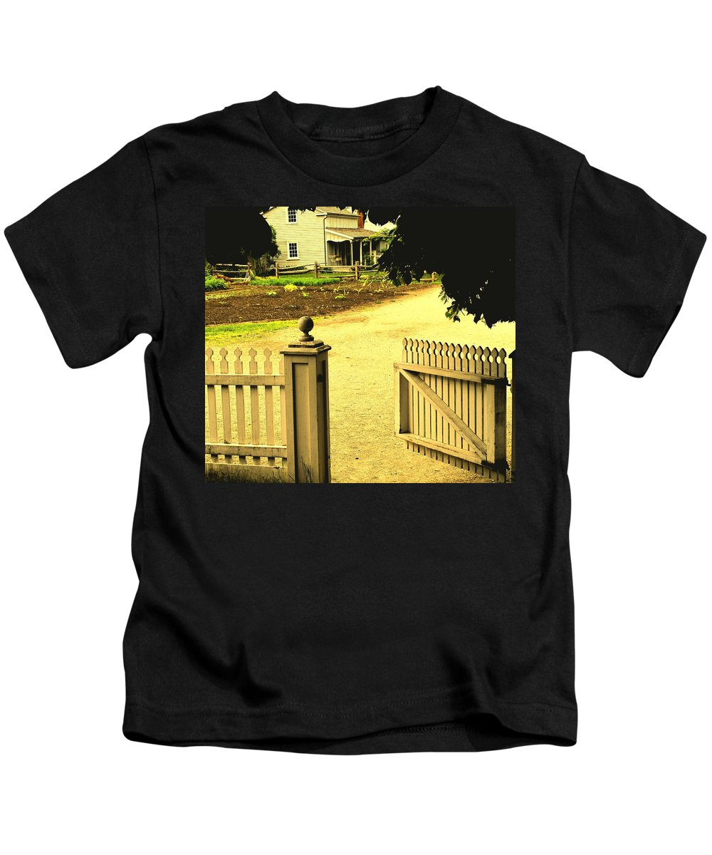 Farm Kids T-Shirt featuring the photograph Come On In by Ian MacDonald