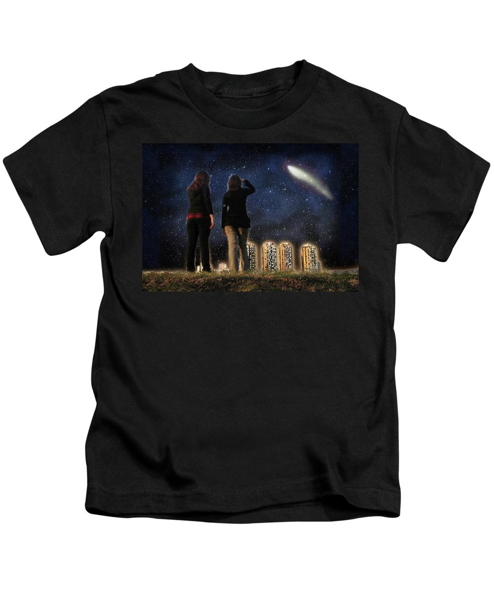 Comet Kids T-Shirt featuring the photograph Comet Over The City by Gravityx9 Designs