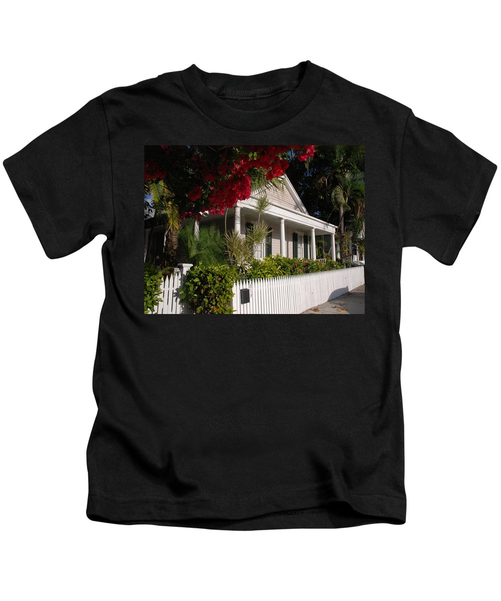 Photography Kids T-Shirt featuring the photograph Conch House In Key West by Susanne Van Hulst